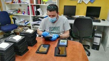 La AEF nos dona 15 tablets para luchar contra la brecha digital